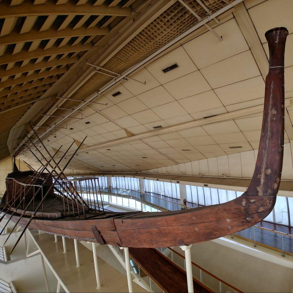 egyptian boat discovered next to Giza Pyramid