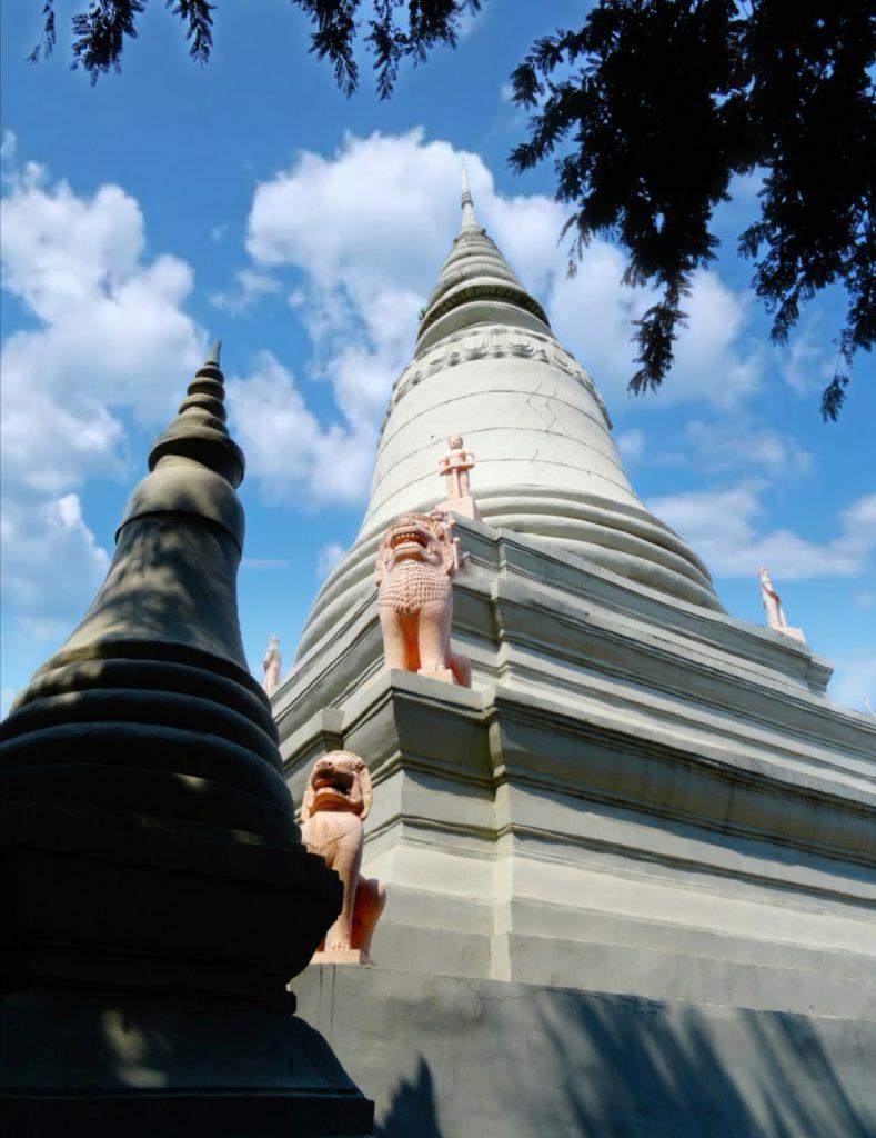 Royal stupa behind the pagoda of the Wat Phnom