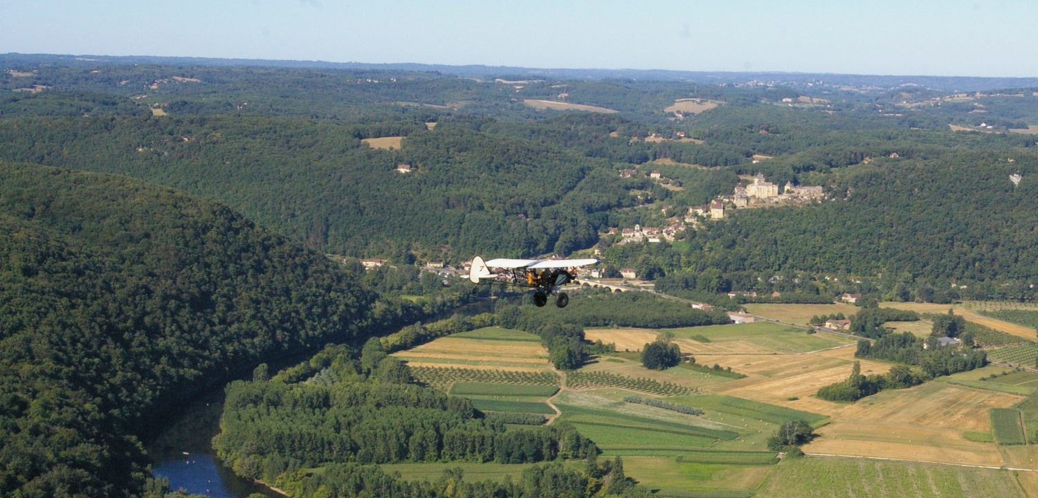 microlight flight over Dordogne Valley